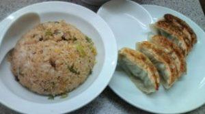 炒飯と焼き餃子