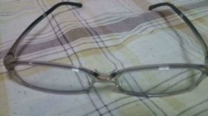 ブルーライトカットメガネ(少し上から)